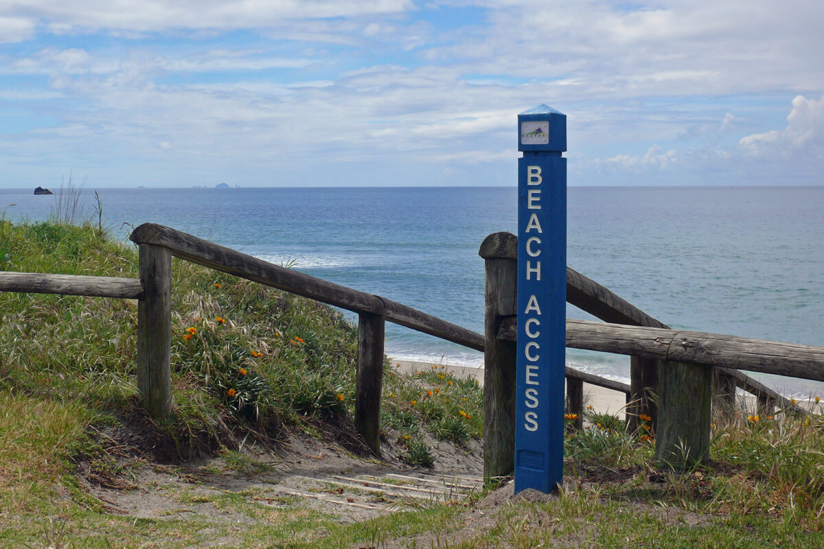 Replas beach access bollard signs | Whiritoa