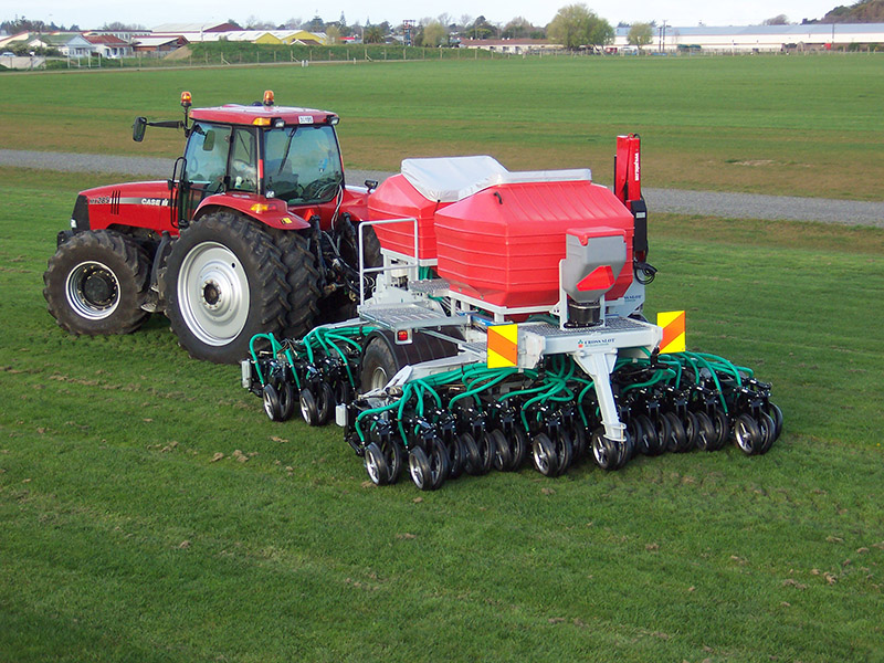 A self-contained NZ design low-disturbance no-tillage drill used in Europe, Australia and New Zealand.